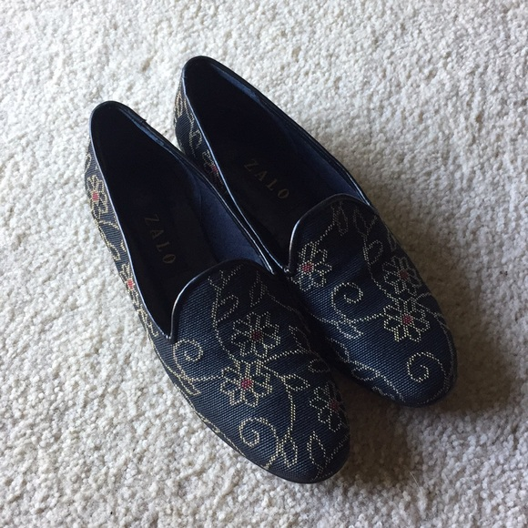 97381aee539 Zalo Needlepoint Tapestry Loafers. M 5b511557194dad135dd93967